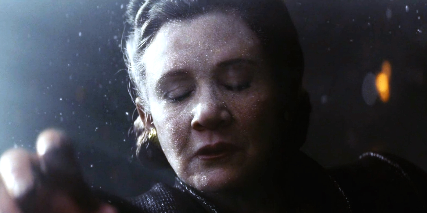The Last Jedi - Leia floats through space